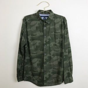 NWOT Tommy Hilfiger Camouflage Button Down